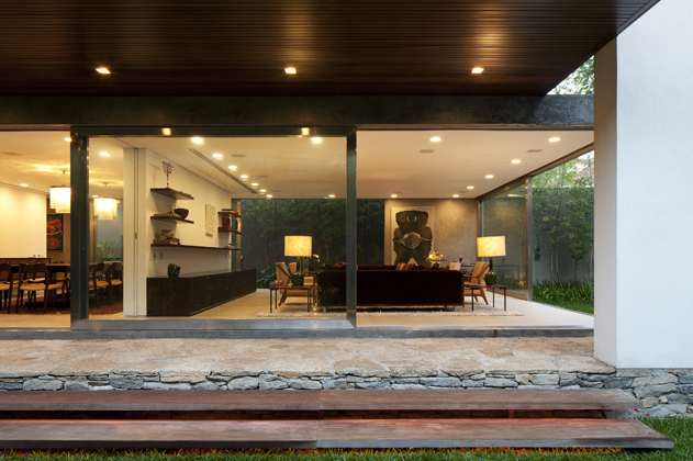 Terra Nova House / Isay Weinfeld