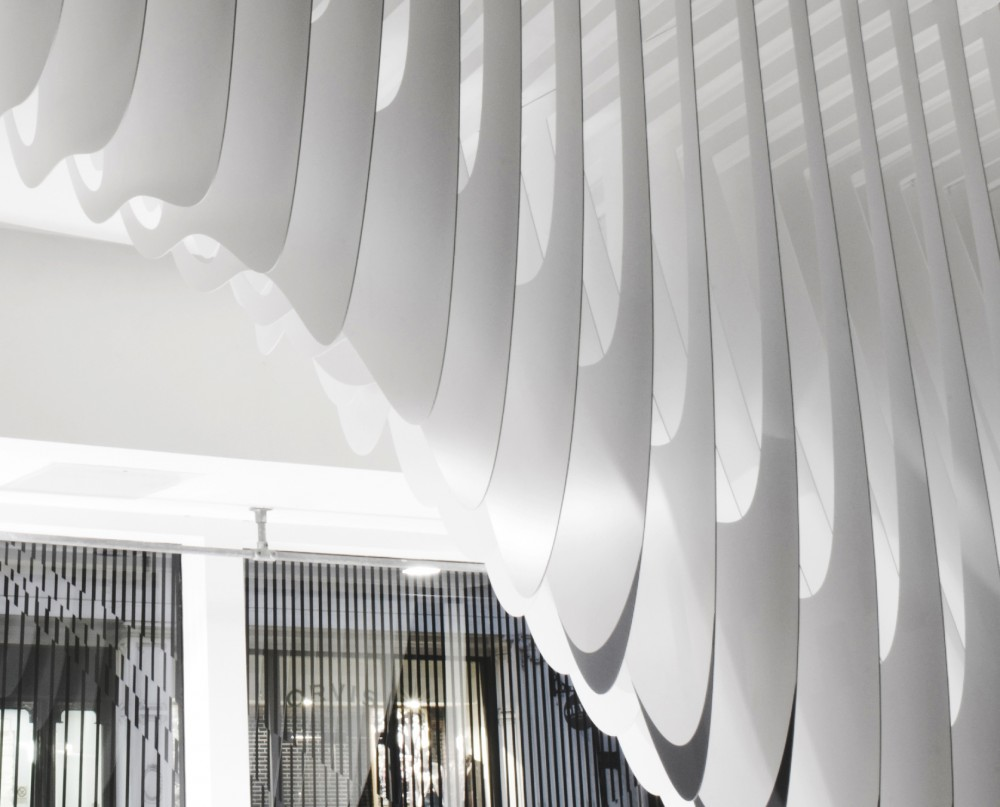 Aqua at Dover Street Market / Zaha Hadid Architects