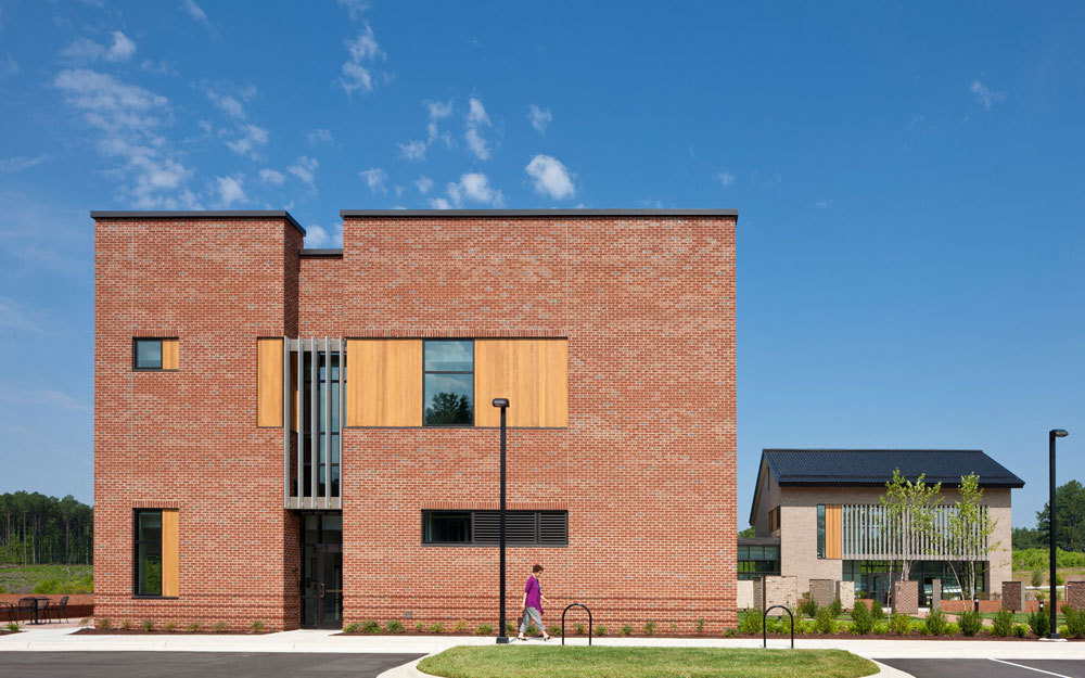 Triangle Brick Headquarters / Pearce Brinkley Cease + Lee