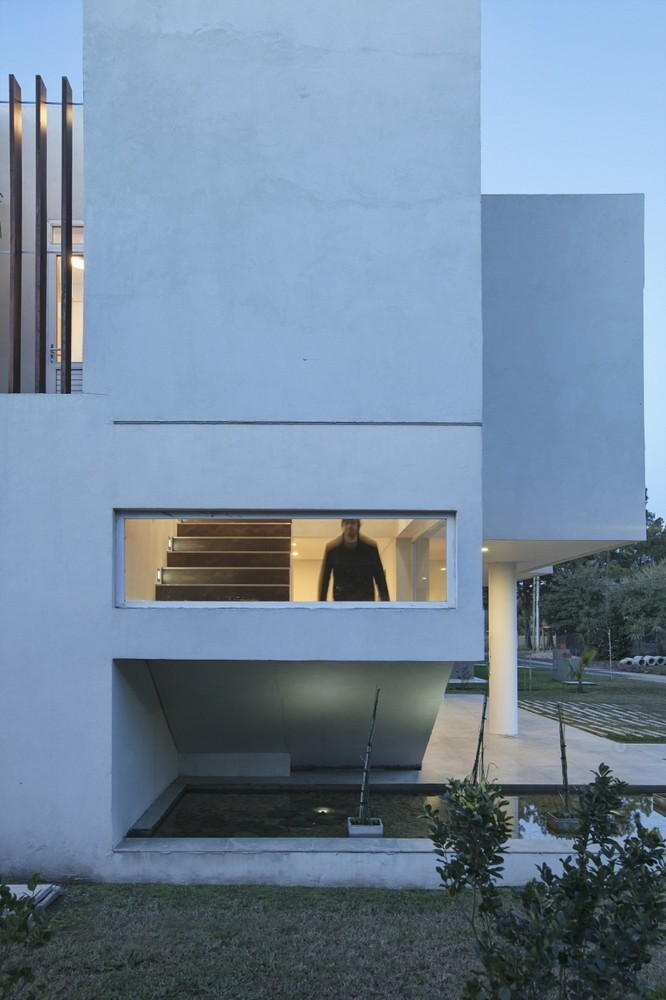 House RA / Pablo Anzilutti