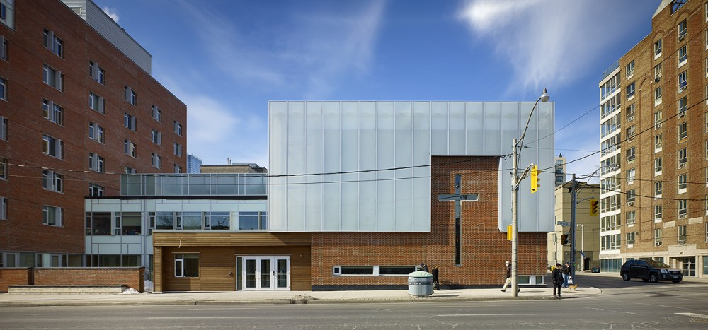 Salvation Army Harbour Light / Diamond Schmitt Architects