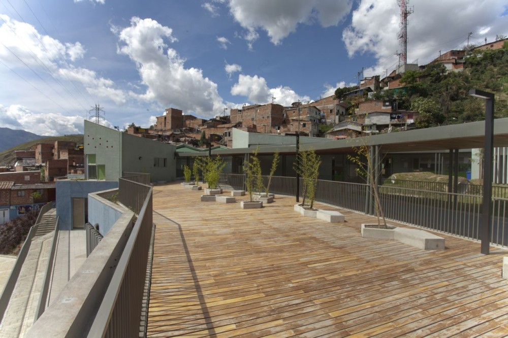 Santo Domingo Savio Kindergarten / Plan B arquitectos