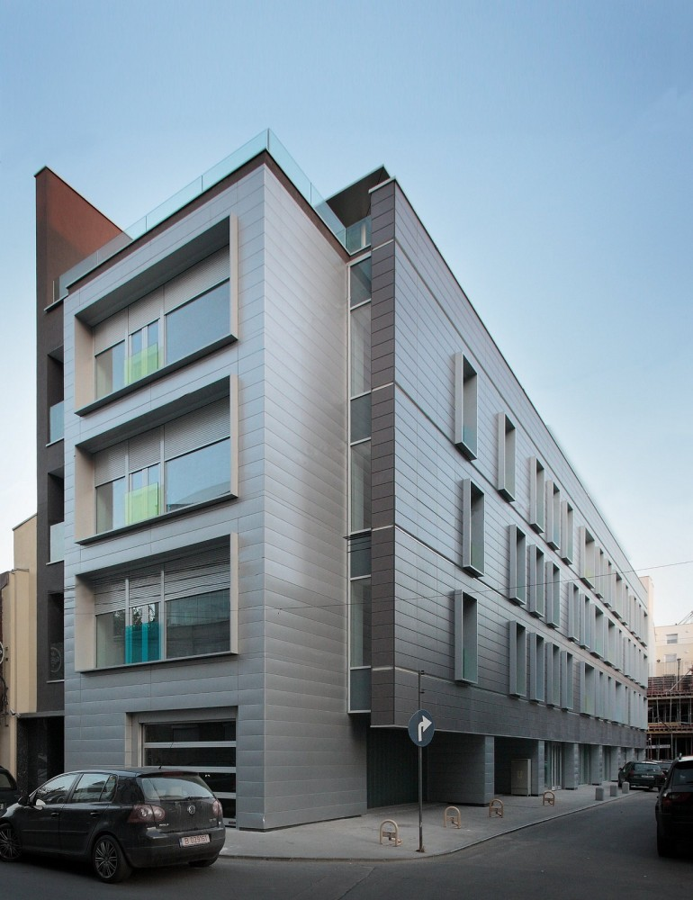 Apartment Building on G.Clinescu Street / Westfourth Architecture