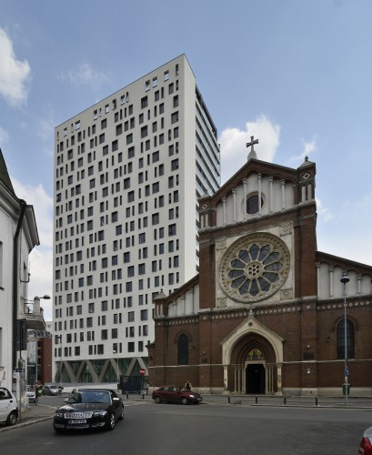 Cathedral Plaza / Westfourth Architecture  Silviu Chiu