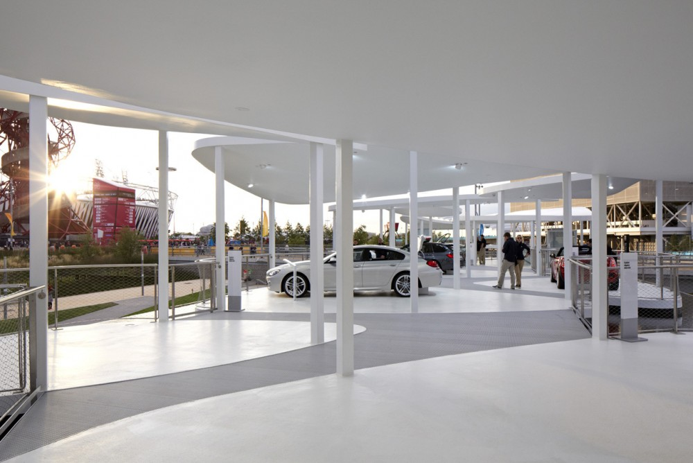 BMW Group Pavilion / Serie Architects