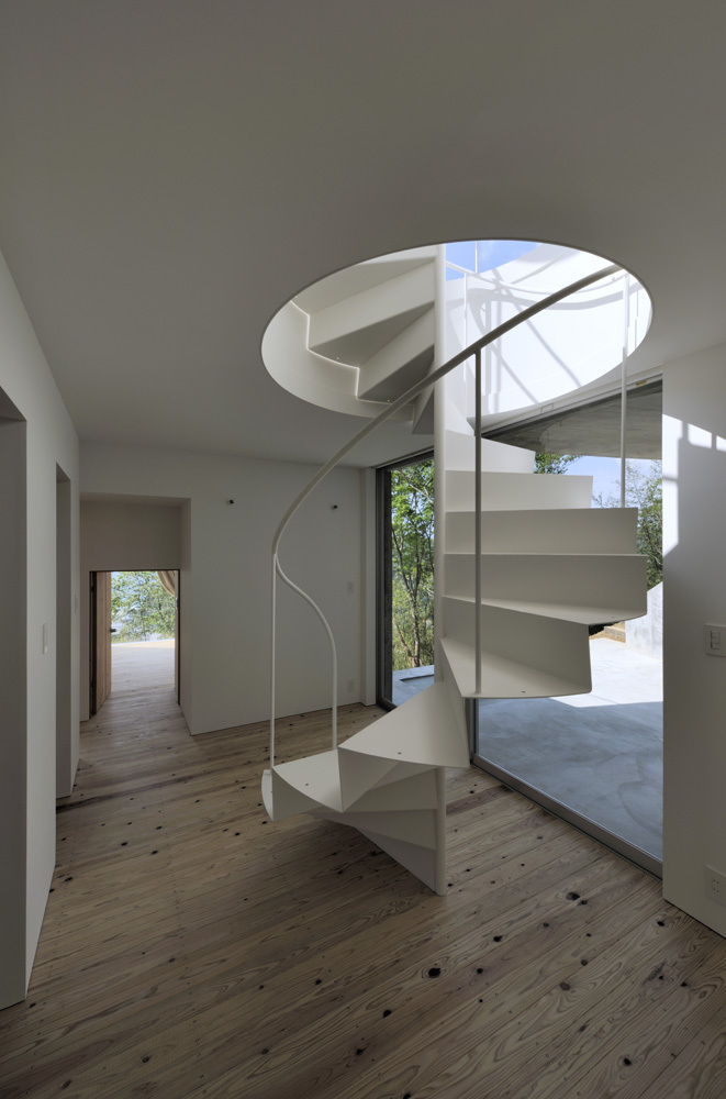 A House in Kisami / Florian Busch Architects