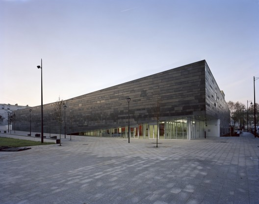 Multi-Sport Complex in Antony / Archi5  Thomas Jorio