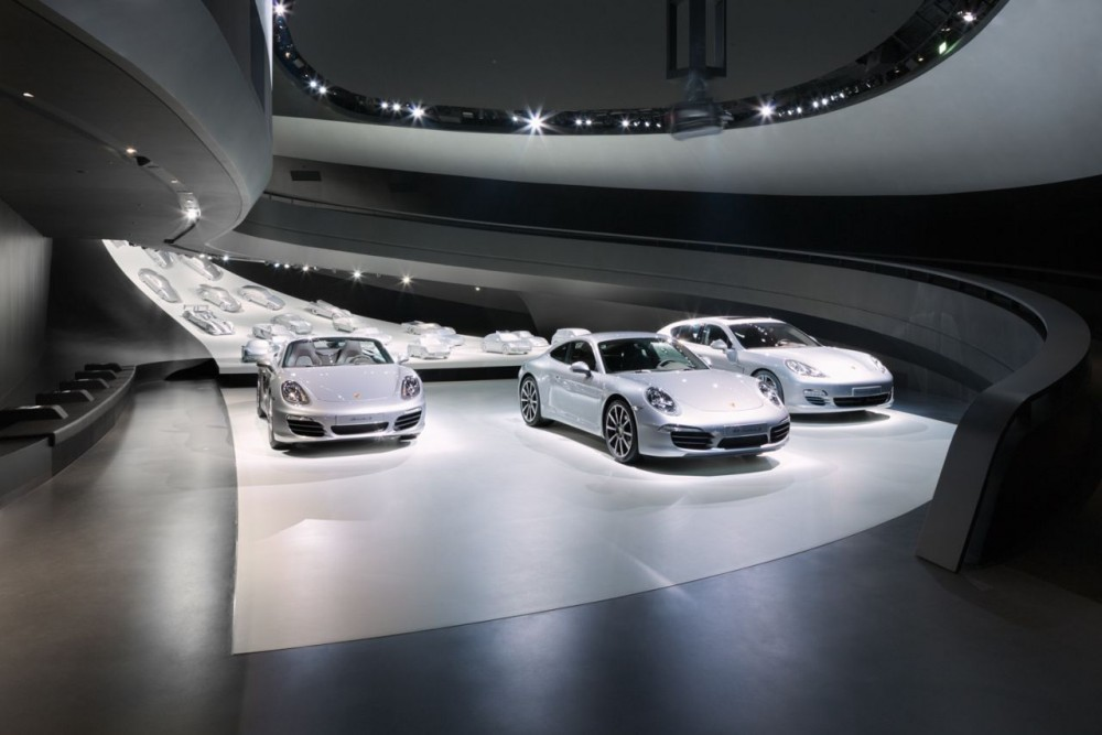 Porsche Pavilion at the Autostadt in Wolfsburg / Henn Architekten