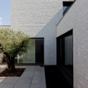 Courtyard House VW / Areal Architecten Cafeine © Thomas De Bruyne