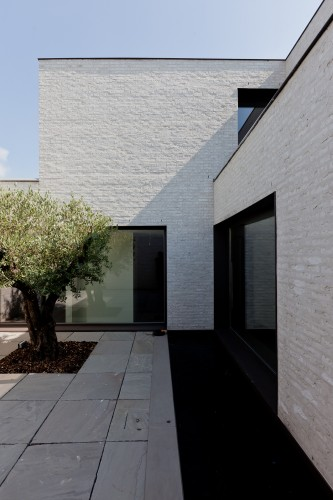 Courtyard House Vw Areal Architecten Archdaily