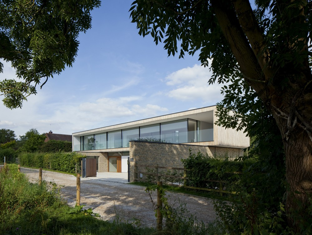 Hurst House / John Pardey Architects + Strm Architects