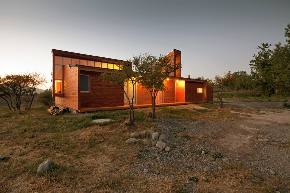 House MJ / COMUNarquitectos