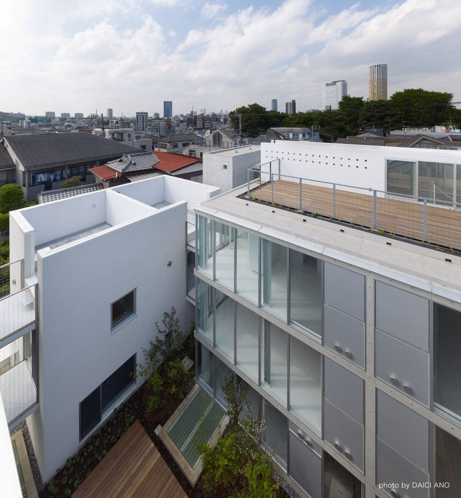 Yutenji Apartments / architecture WORKSHOP