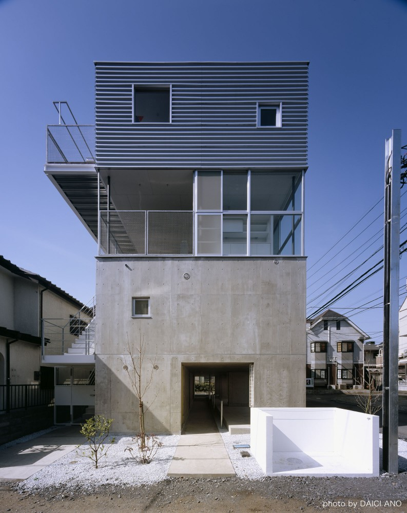 Kobuchi Apartment / Toru Kudo + architecture WORKSHOP