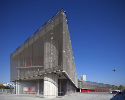 Firehouse of Palma de Mallorca / Jordi Herrero Arquitecto  Jaime Sicilia