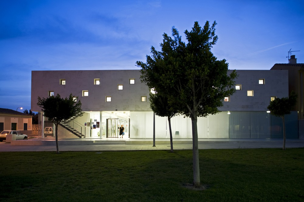 Cultural Center in Son Ferriol / Jordi Herrero + Sebastin Escanellas