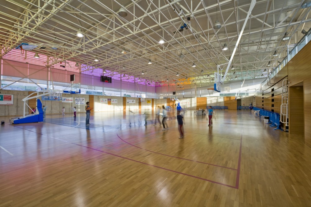 Polideportivo in Sa Indiotera / Jordi Herrero + Sebastin Escanellas