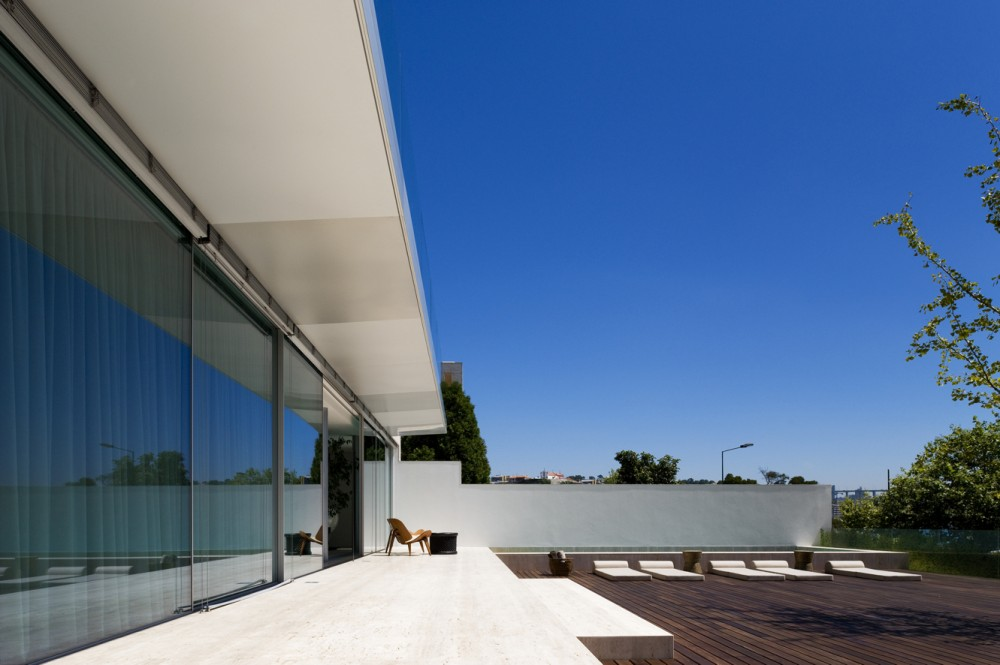 House in Foz do Douro II / José Carlos Cruz