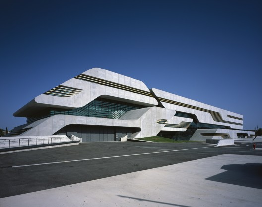 Pierres Vives / Zaha Hadid Architects (5) © Helene Binet