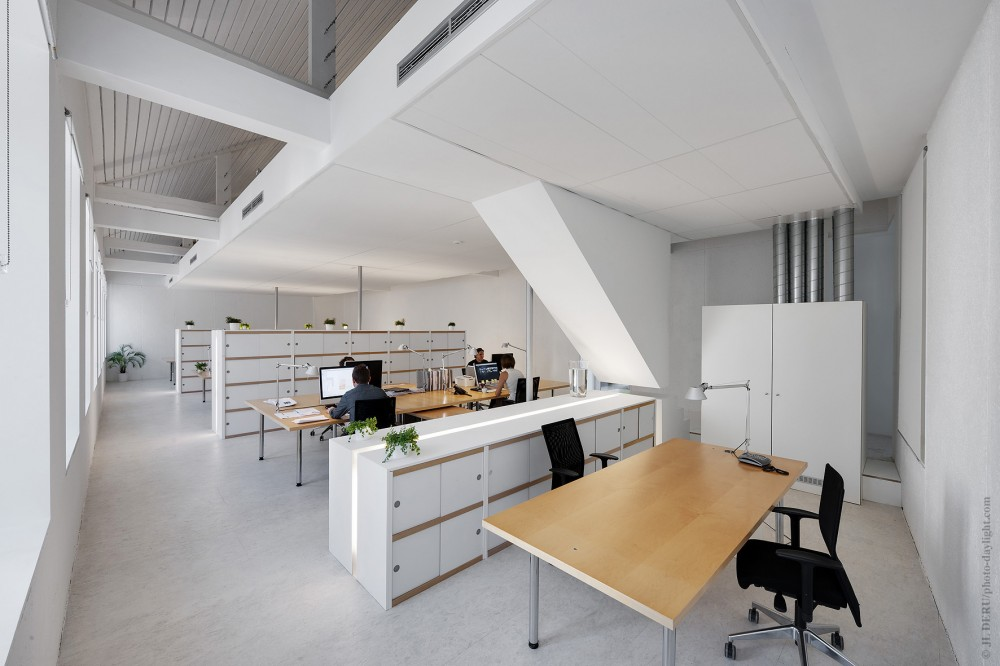 Artau Bureau / Artau Architecture