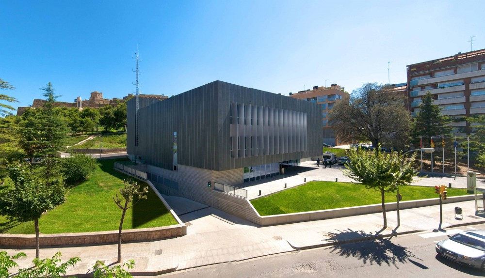 City Police Headquarters in Lleida / Mestura Arquitectes