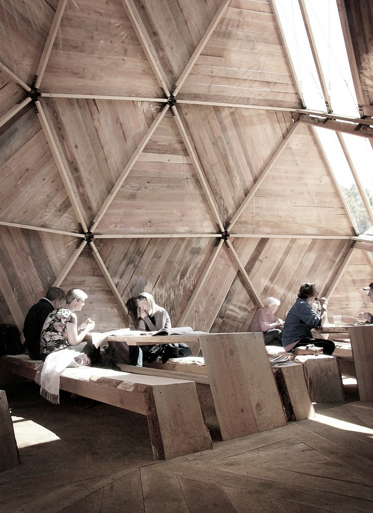 Peoples Meeting Dome / Kristoffer Tejlgaard & Benny Jepsen