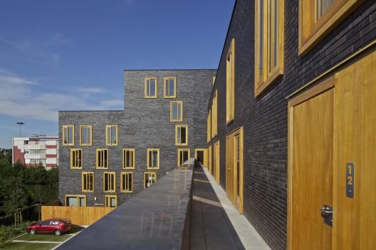 http://ad009cdnb.archdaily.net/wp-content/uploads/2012/09/5062186828ba0d0807000029_hollande-b-thune-social-housing-fres-architectes_007_com_ima_12_0306-528x352.jpg