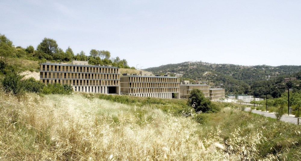 48 Housing Units in Torrelles de Llobregat / BB Arquitectes