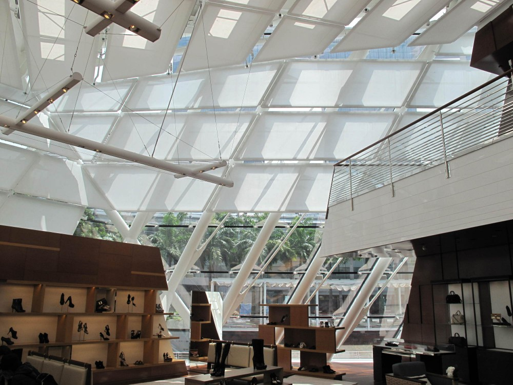 Louis Vuitton in Singapore / Safdie Architects