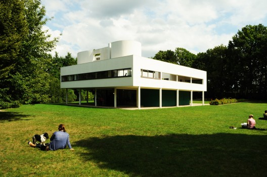 14 fun facts about le corbusier archdaily for Le corbusier villa savoye