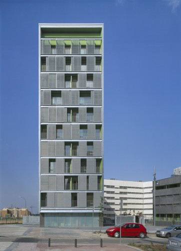 emv - 170 Social Housing VPO / Burgos &amp; Garrido arquitectos  Roland Halbe