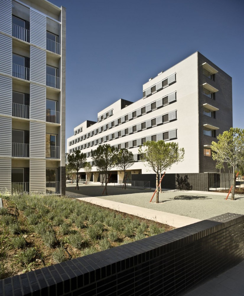 Social Housing / Burgos &#038; Garrido arquitectos