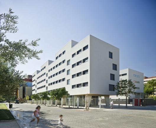 Social Housing / Burgos &amp; Garrido arquitectos  ngel Baltans