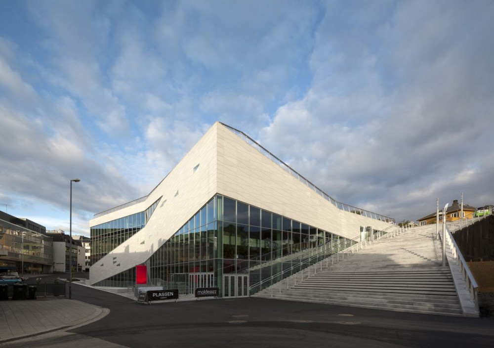 Plassen Cultural Center / 3XN Architects