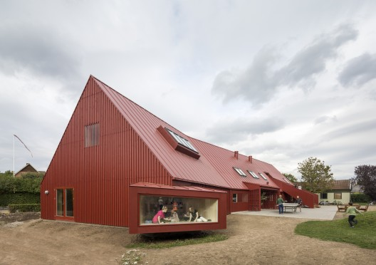 Youth Centre in Roskilde / Cornelius + Vöge © Adam Mørk