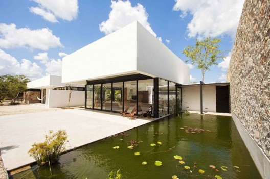 Gershenson House / Roman Gonzalez Jaramillo  Pepe Molina
