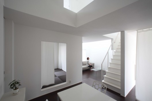 Omihachiman House / ALTS Design Office Courtesy of ALTS Design Office