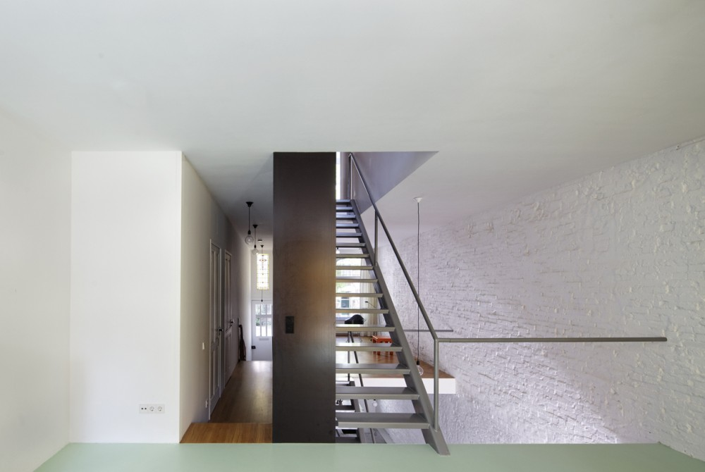 Vertical Loft / Shift Architecture Urbanism