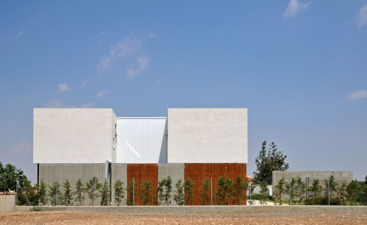 House 0614 / Simpraxis Architects  Marios Christodoulides, Christos Papantoniou