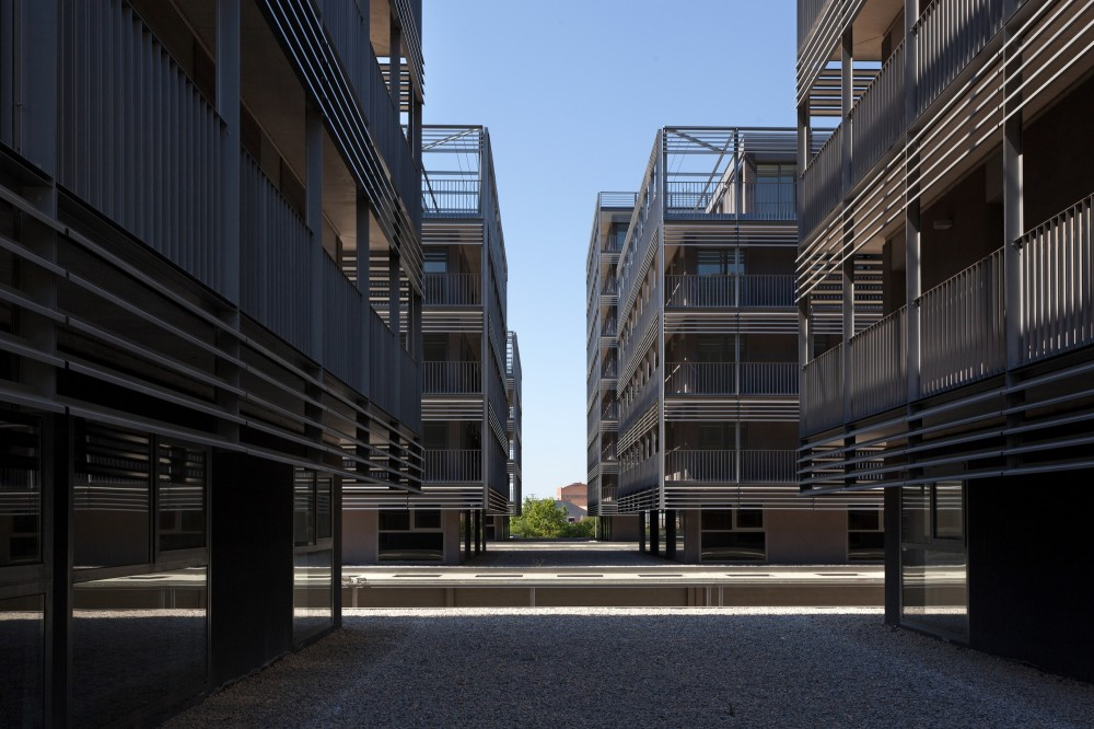 Social Housing at Boera Park / Pen Architects + OAB + Edifica