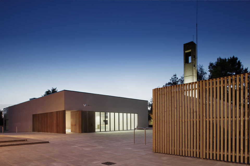 Ballyroan Parish Centre / Box Architecture