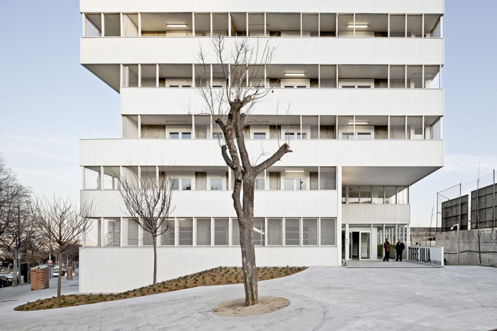 Julia Tower / Pau Vidal + Sergi Pons + Ricard Galiana