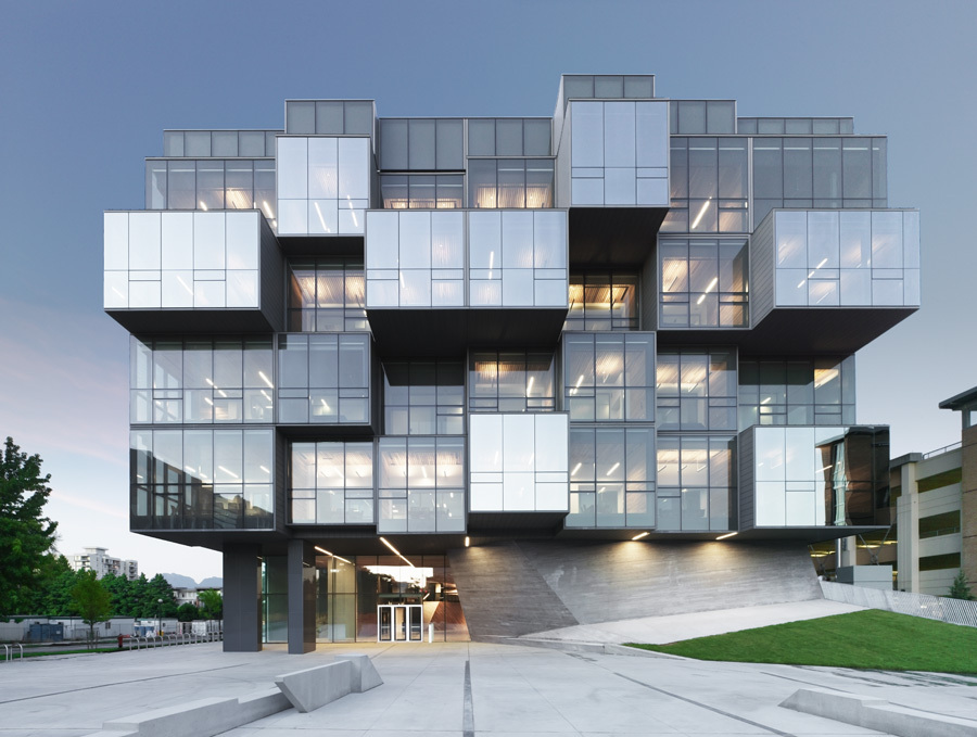 UBC Faculty of Pharmaceutical Sciences - Saucier + Perrotte architectes & HCMA [900x679] photo by Marc Cramer