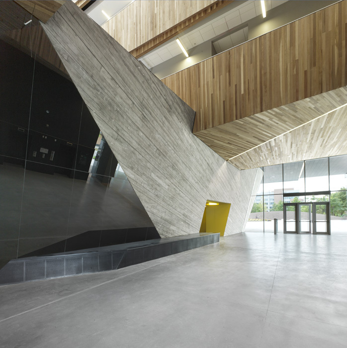UBC Faculty of Pharmaceutical Sciences / Saucier + Perrotte architectes & HCMA