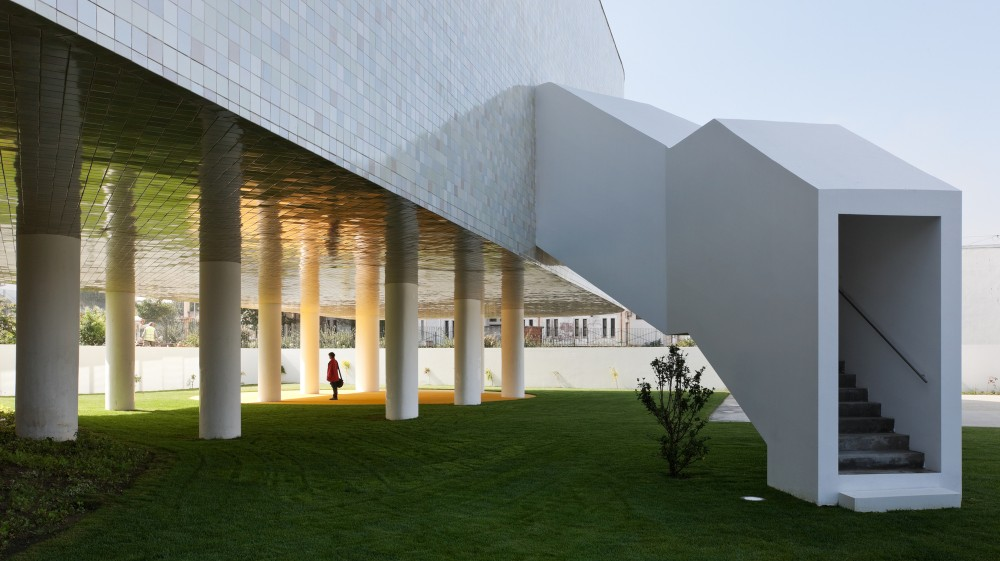 Combatentes Educational Center / Cannat &#038; Fernandes