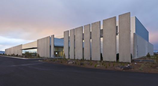 Facebook Prineville Data Center / Sheehan Partners  Jonnu Singleton