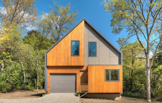 The Matchbox House / Bureau for Architecture and Urbanism Steve Maylone © Maylone Photography