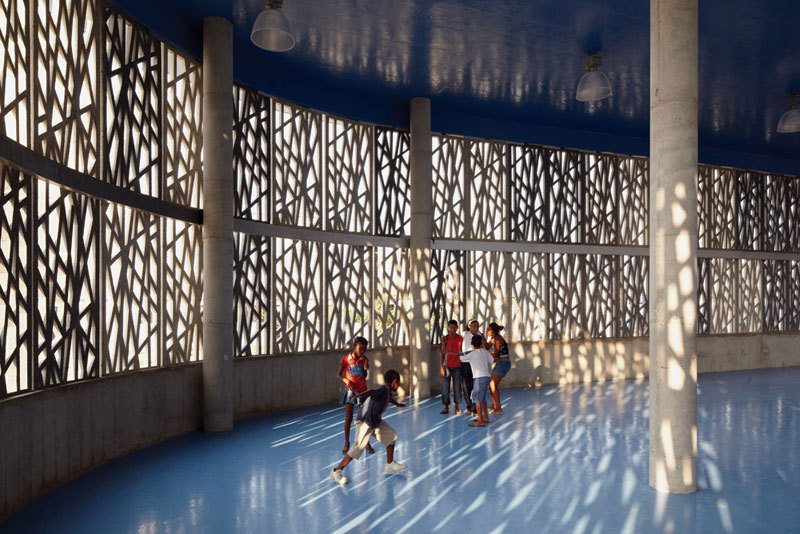 Flor del Campo Educational Center / Giancarlo Mazzanti + Felipe Mesa