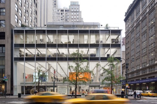 Joe Fresh New York flagship / Burdifilek  Ben Rahn A-Frame
