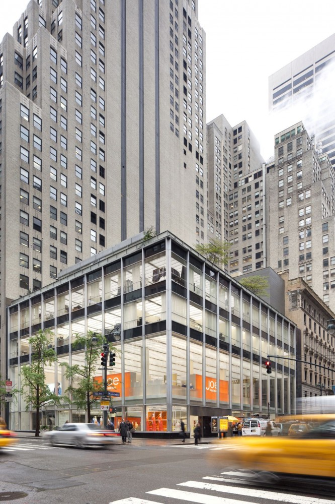 Joe Fresh New York flagship / Burdifilek